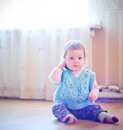 10 Есения - Есения - Малыши часто гораздо охотнее фотографируются  дома, где все знакомо и приятно) в домашних условиях и съемка получается уютной и теплой, а малыша удается снять более непосредственным и естественным:)