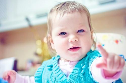 2 Есения - Есения - Малыши часто гораздо охотнее фотографируются  дома, где все знакомо и приятно) в домашних условиях и съемка получается уютной и теплой, а малыша удается снять более непосредственным и естественным:)