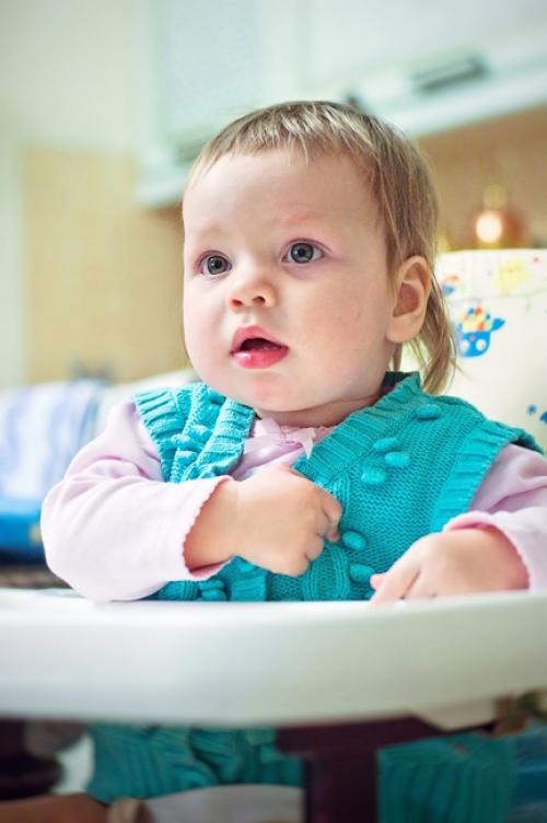 1 Есения - Есения - Малыши часто гораздо охотнее фотографируются  дома, где все знакомо и приятно) в домашних условиях и съемка получается уютной и теплой, а малыша удается снять более непосредственным и естественным:)