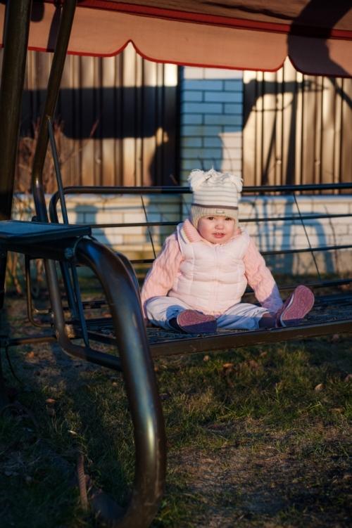 20 Есения - Есения - Малыши часто гораздо охотнее фотографируются  дома, где все знакомо и приятно) в домашних условиях и съемка получается уютной и теплой, а малыша удается снять более непосредственным и естественным:)