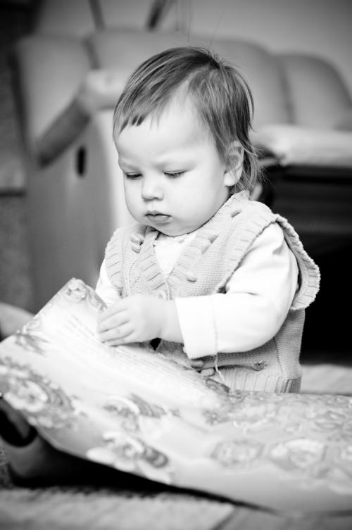 4 Есения - Есения - Малыши часто гораздо охотнее фотографируются  дома, где все знакомо и приятно) в домашних условиях и съемка получается уютной и теплой, а малыша удается снять более непосредственным и естественным:)