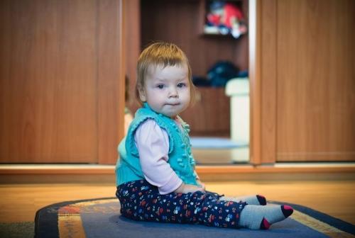 11 Есения - Есения - Малыши часто гораздо охотнее фотографируются  дома, где все знакомо и приятно) в домашних условиях и съемка получается уютной и теплой, а малыша удается снять более непосредственным и естественным:)