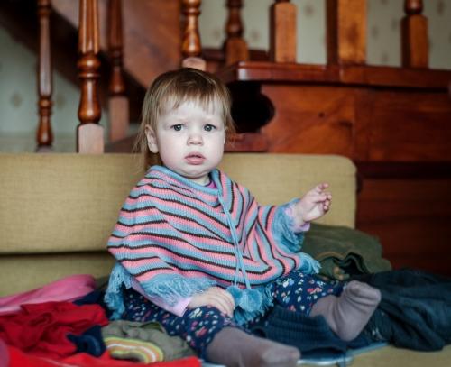 14 Есения - Есения - Малыши часто гораздо охотнее фотографируются  дома, где все знакомо и приятно) в домашних условиях и съемка получается уютной и теплой, а малыша удается снять более непосредственным и естественным:)