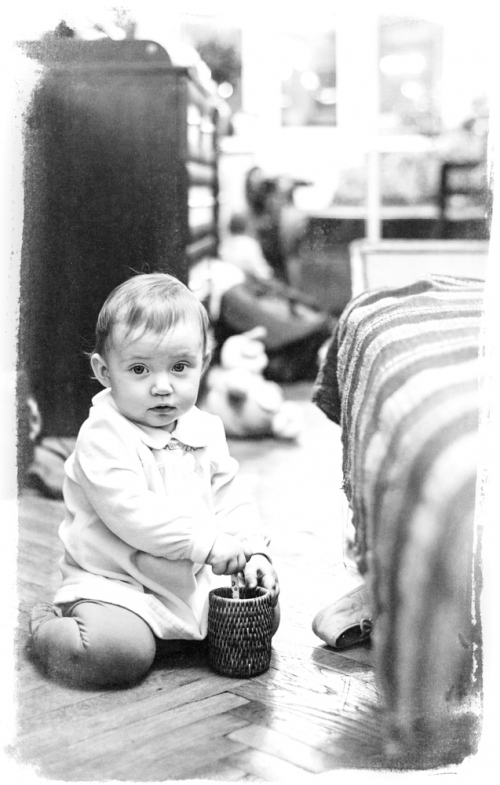 22 Алиса от 0 до года - Рождение ребенка и его первый год - знаменательное событие в жизни семьи. Время в этот год летит очень быстро и малыш меняется почти каждый день, поэтому фотографии этого периода становятся особенно ценными в истории семьи!