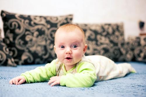 5 Алиса от 0 до года - Рождение ребенка и его первый год - знаменательное событие в жизни семьи. Время в этот год летит очень быстро и малыш меняется почти каждый день, поэтому фотографии этого периода становятся особенно ценными в истории семьи!
