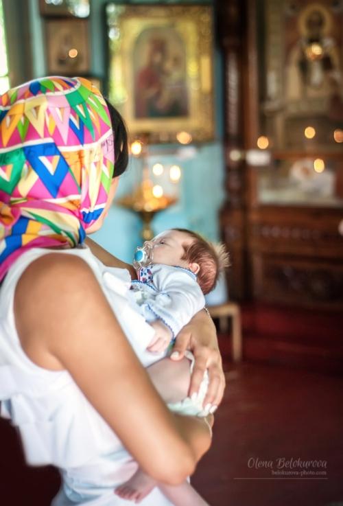 5 Хрещення - Таинство Крещения очень важное и радостное событие в жизни семьи. Как и всё главное, что случается с нами - хочется запомнить этот день прекрасным, якрим и светлым! Фотосъемку крещения я всегда стараюсь делать именно такой)
