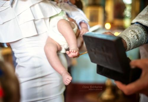 7 Хрещення - Таинство Крещения очень важное и радостное событие в жизни семьи. Как и всё главное, что случается с нами - хочется запомнить этот день прекрасным, якрим и светлым! Фотосъемку крещения я всегда стараюсь делать именно такой)